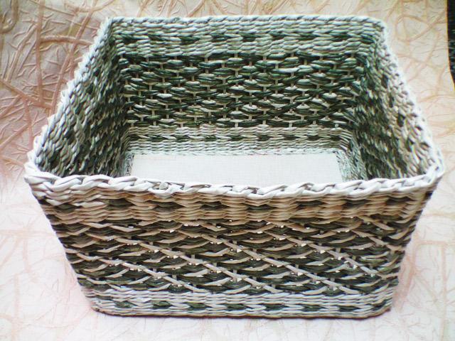 Ситцевое плетение из газетных трубочек с перетяжкой