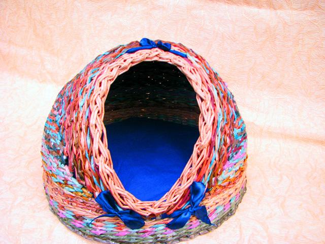 Плетение из газетных трубочек для кошек