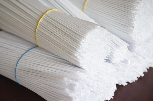 как покрасить трубочки в белый цвет